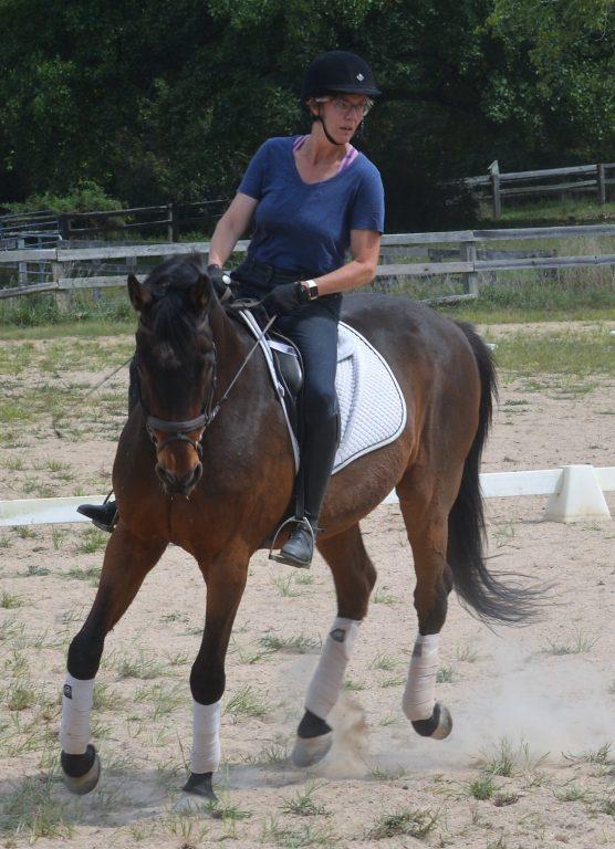 Valentyno riding